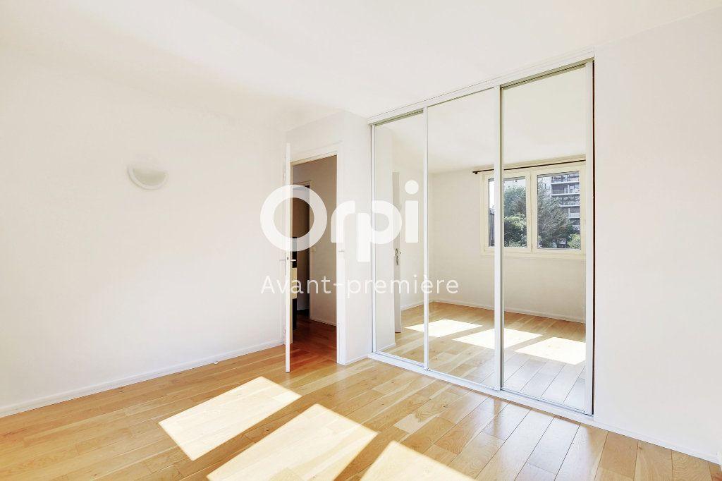 Appartement à vendre 3 61.1m2 à Paris 15 vignette-5