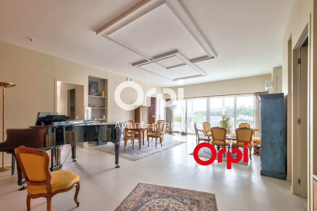 Appartement à vendre 3 117m2 à Lyon 2 vignette-1