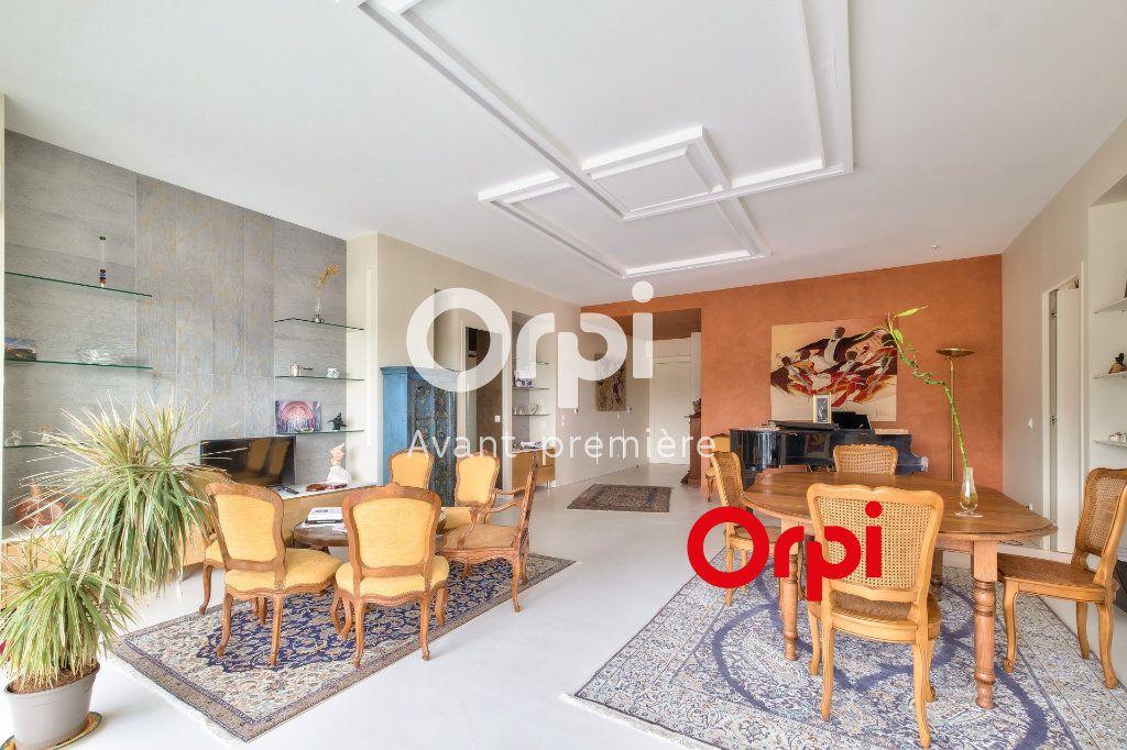 Appartement à vendre 3 117m2 à Lyon 2 vignette-2