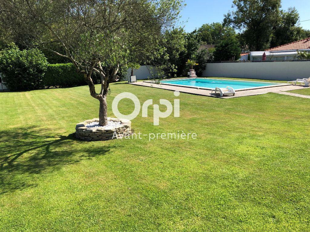 Maison à vendre 9 206.5m2 à Ambarès-et-Lagrave vignette-2