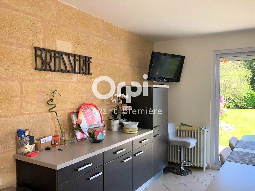 Maison à vendre 9 206.5m2 à Ambarès-et-Lagrave vignette-4