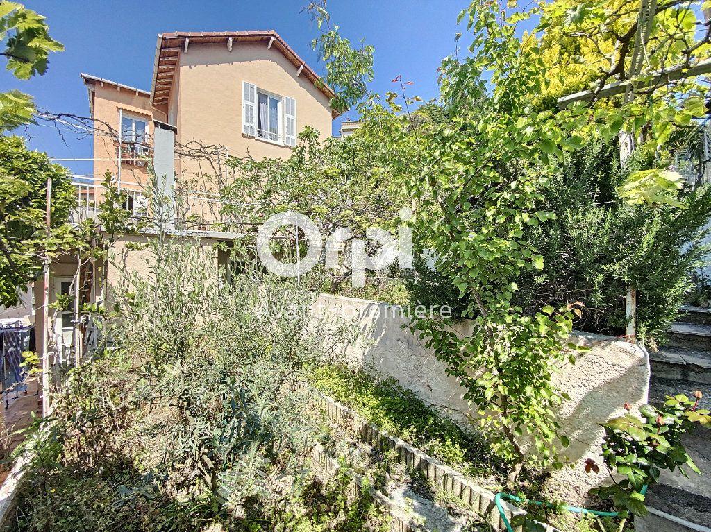Appartement à vendre 4 135.88m2 à Nice vignette-4