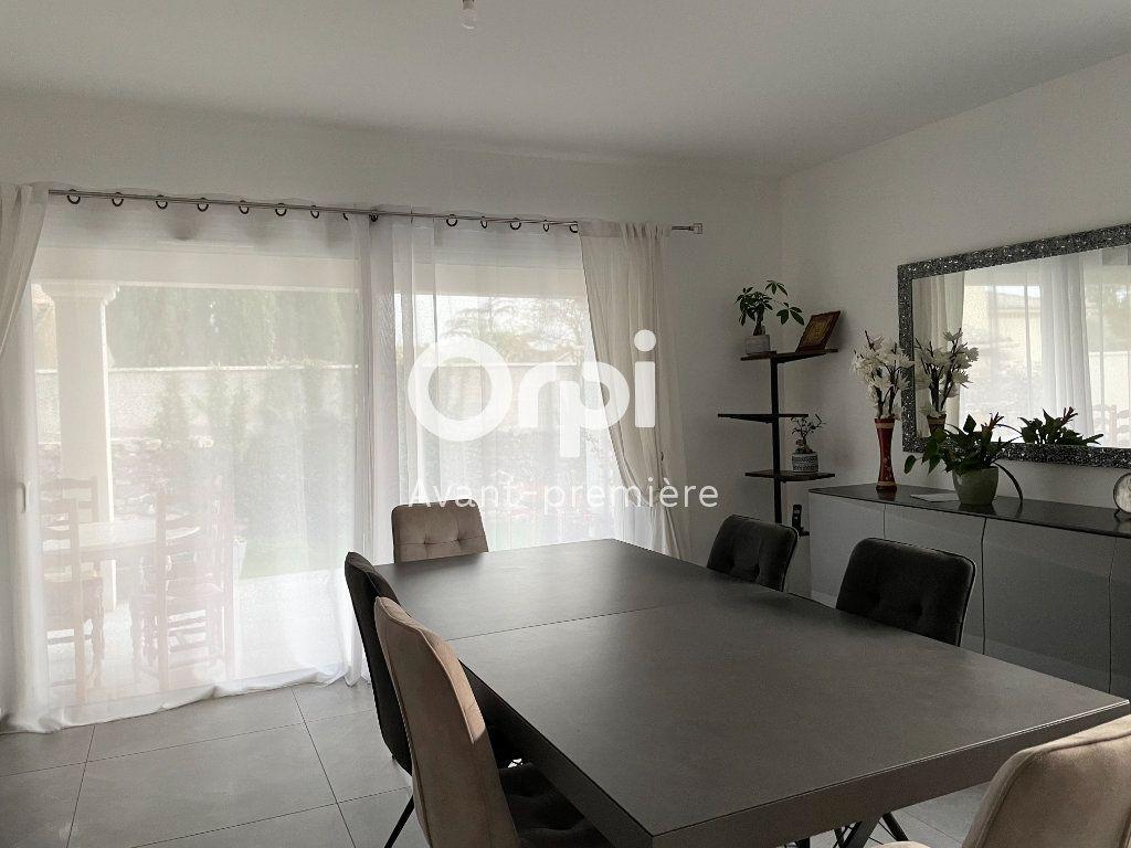 Maison à vendre 5 127.46m2 à Saint-Paul-Trois-Châteaux vignette-1