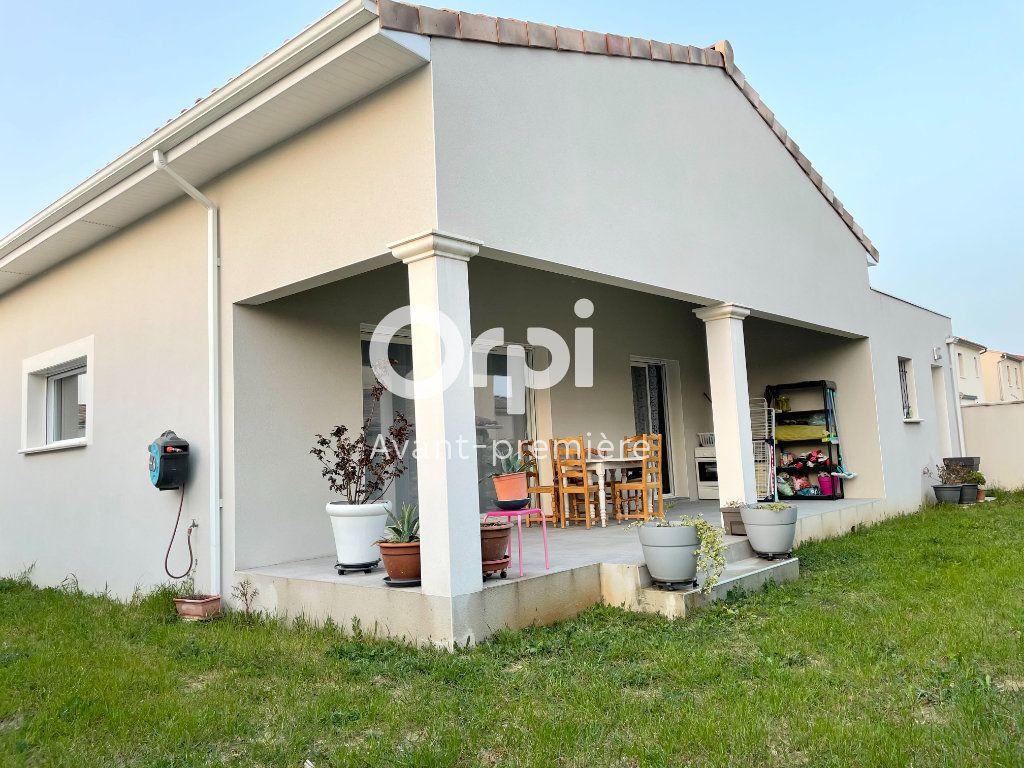 Maison à vendre 5 127.46m2 à Saint-Paul-Trois-Châteaux vignette-2