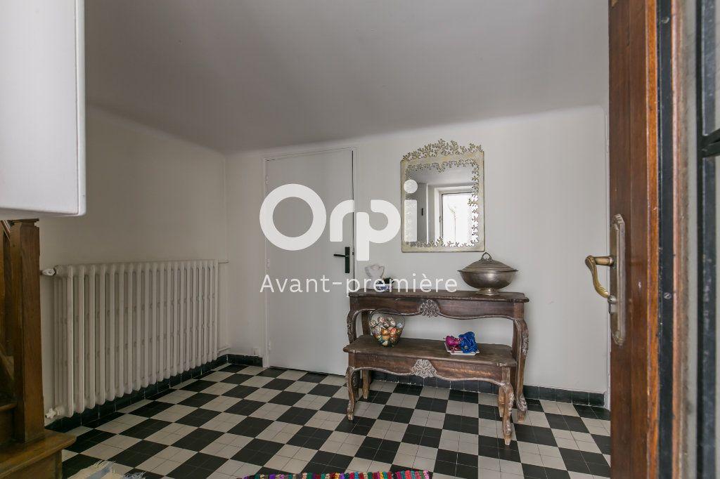 Appartement à vendre 6 160m2 à Chennevières-sur-Marne vignette-5