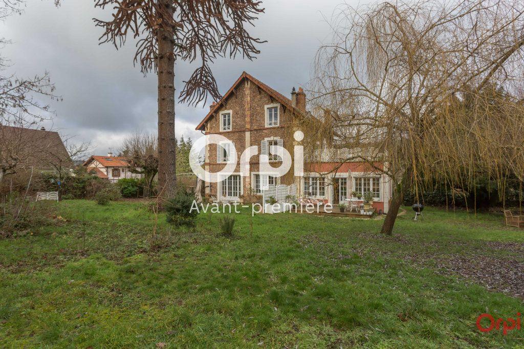 Maison à vendre 3 269m2 à Gif-sur-Yvette vignette-1