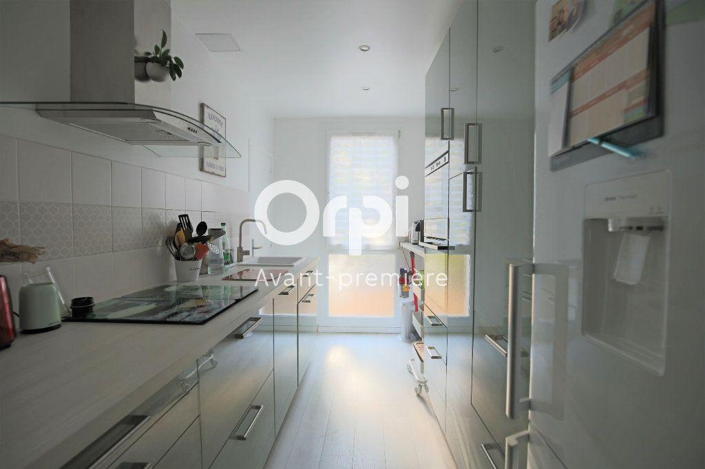 Appartement à vendre 4 77.85m2 à Eaubonne vignette-4