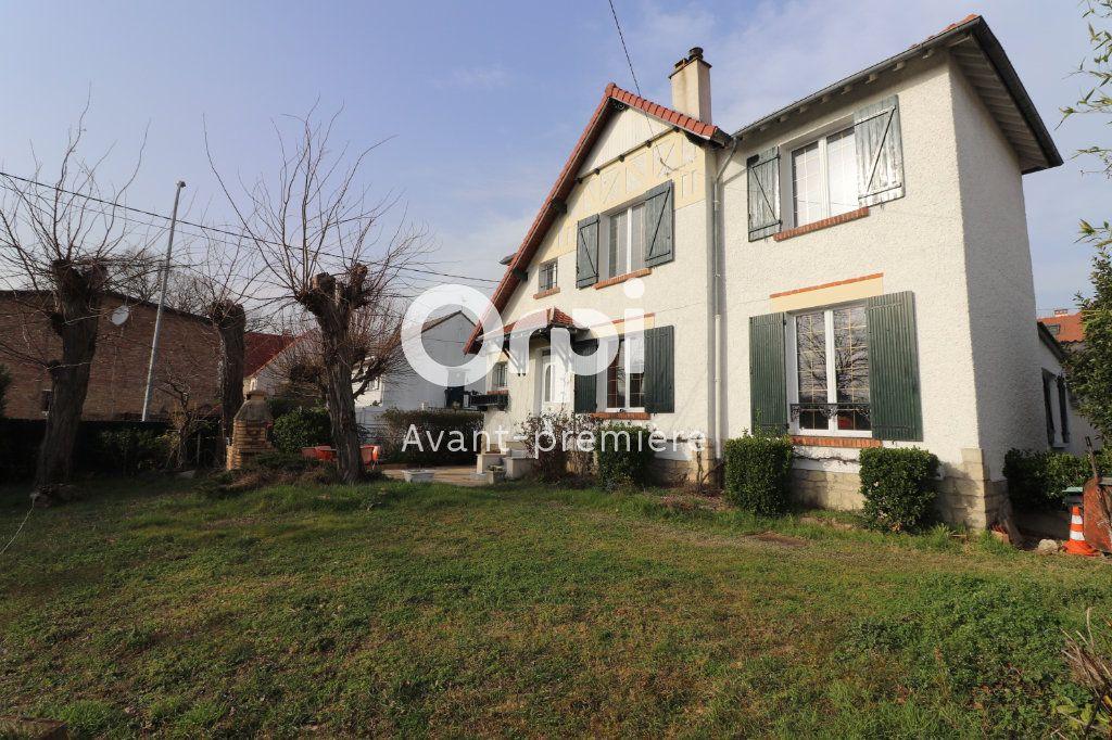 Maison à vendre 6 106m2 à Beauchamp vignette-1