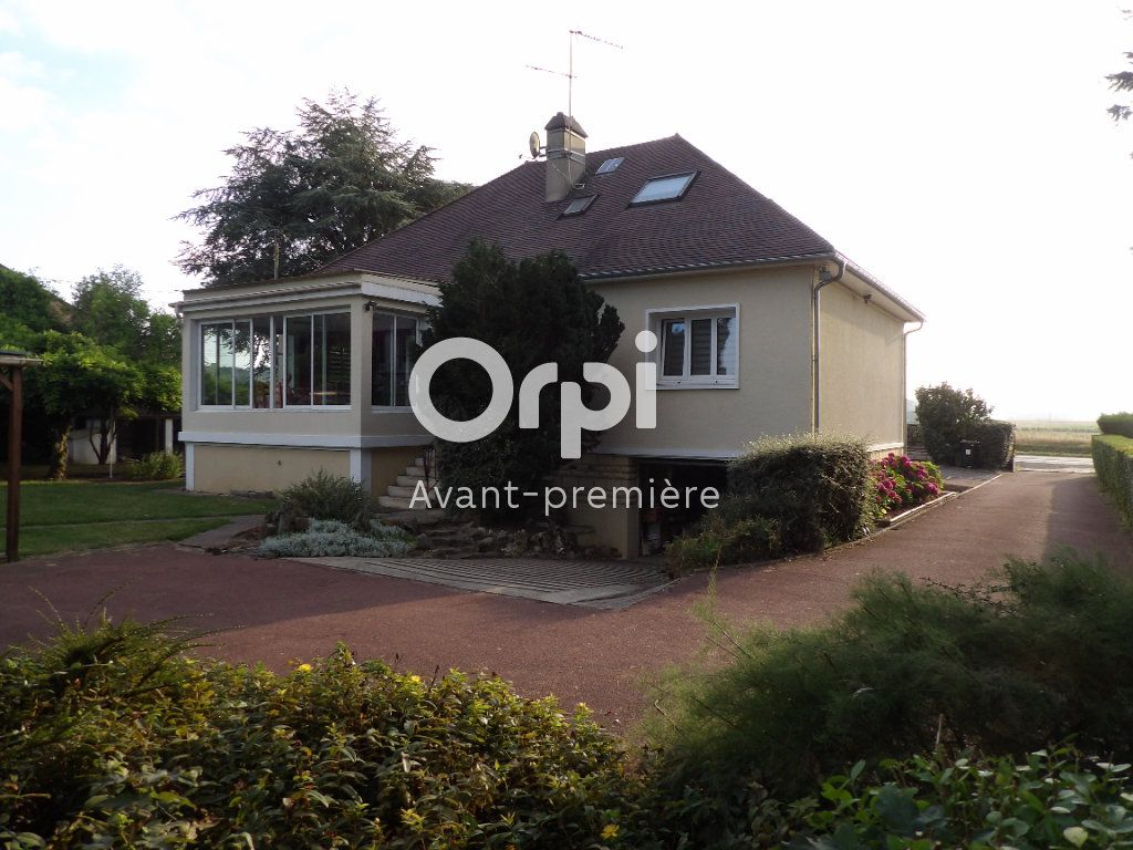 Maison à vendre 9 153.02m2 à Gisors vignette-1