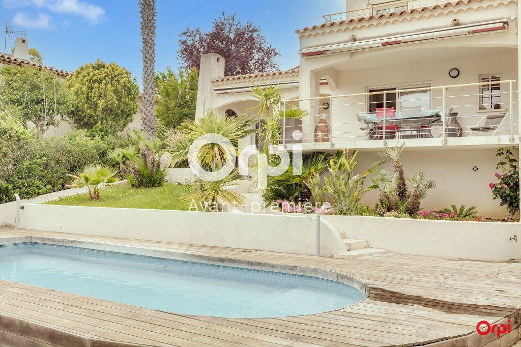 Maison à vendre 5 147m2 à Marseille 12 vignette-1