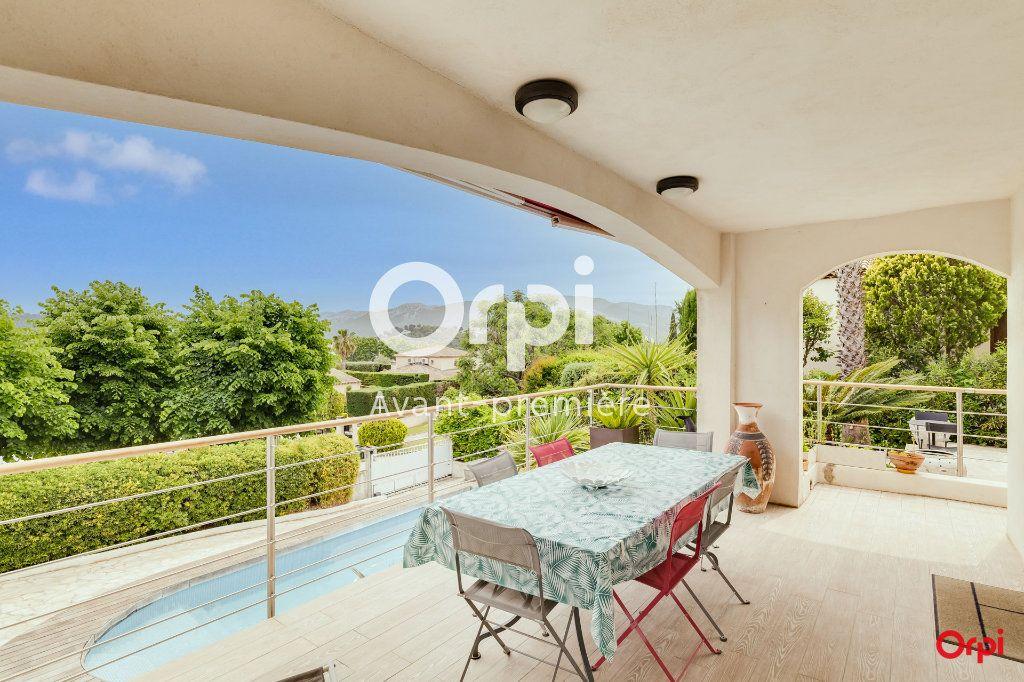 Maison à vendre 5 147m2 à Marseille 12 vignette-3
