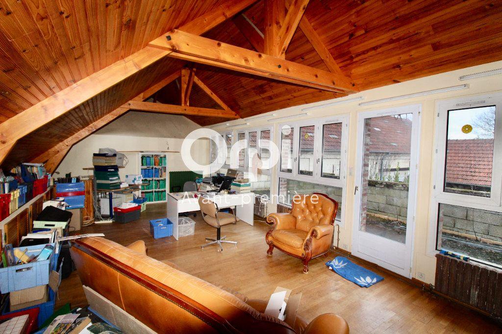 Maison à vendre 8 265.37m2 à Évricourt vignette-11