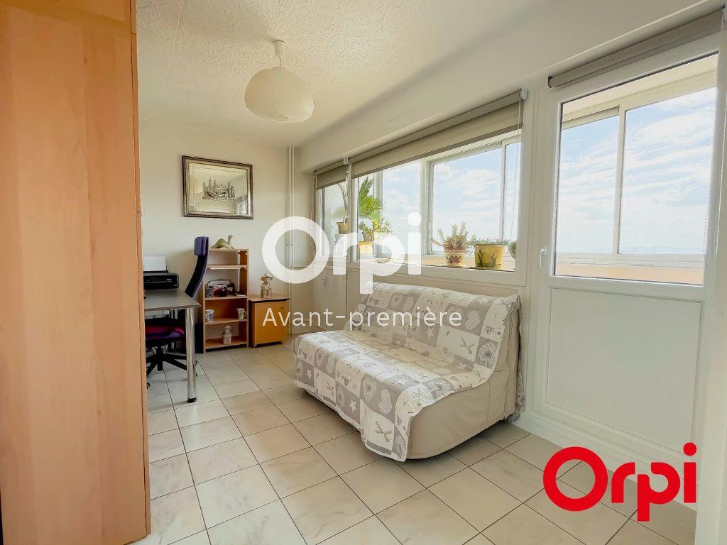 Appartement à vendre 4 73m2 à Rillieux-la-Pape vignette-4