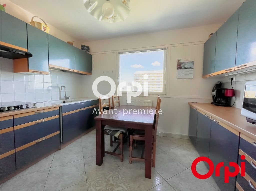 Appartement à vendre 4 73m2 à Rillieux-la-Pape vignette-5