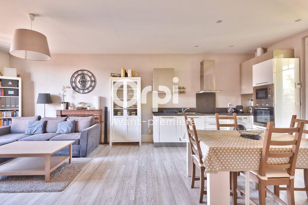 Appartement à vendre 4 80m2 à Rillieux-la-Pape vignette-1