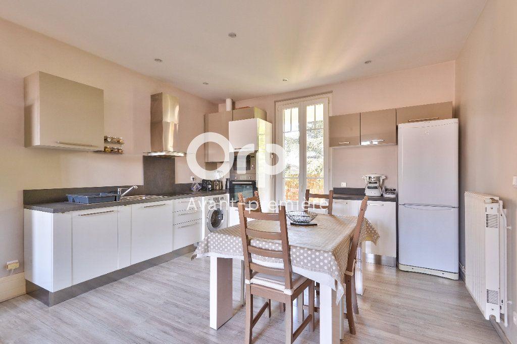 Appartement à vendre 4 80m2 à Rillieux-la-Pape vignette-2