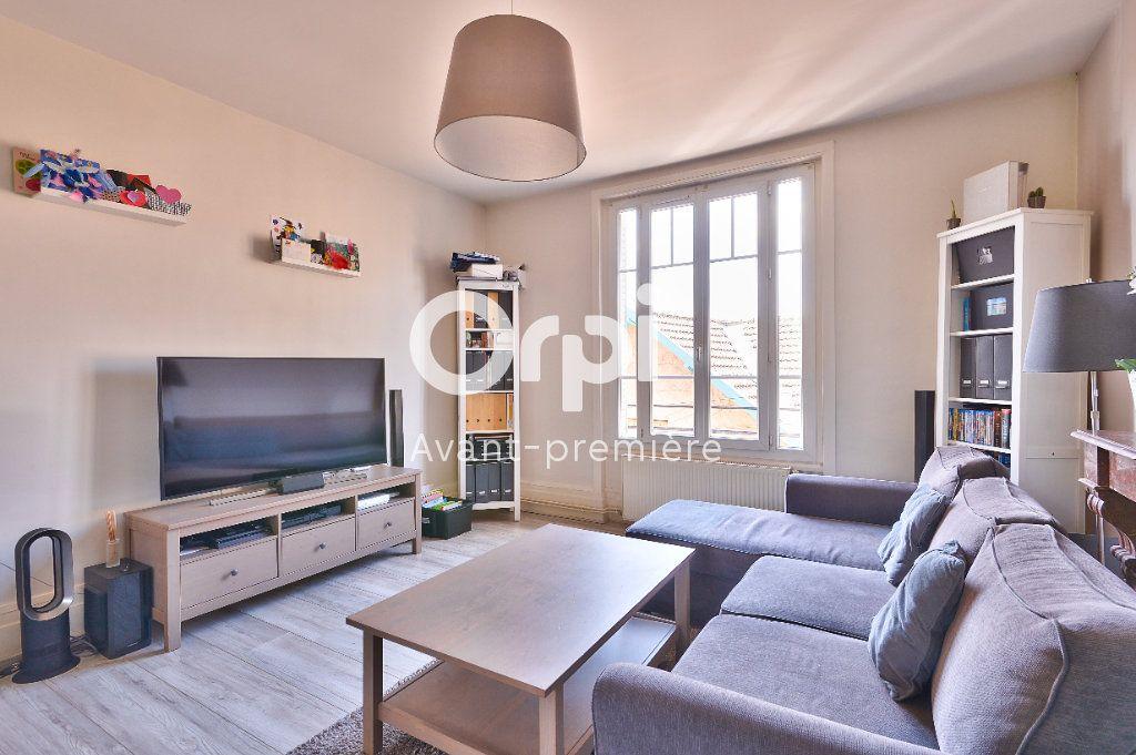 Appartement à vendre 4 80m2 à Rillieux-la-Pape vignette-3