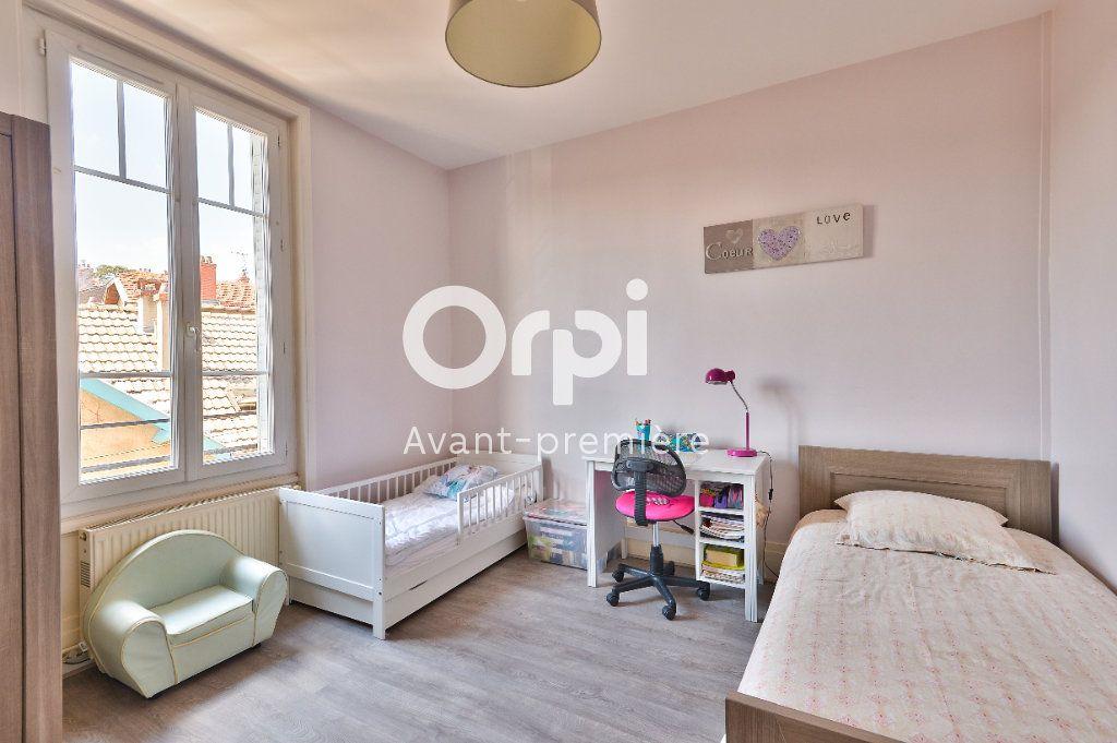 Appartement à vendre 4 80m2 à Rillieux-la-Pape vignette-5