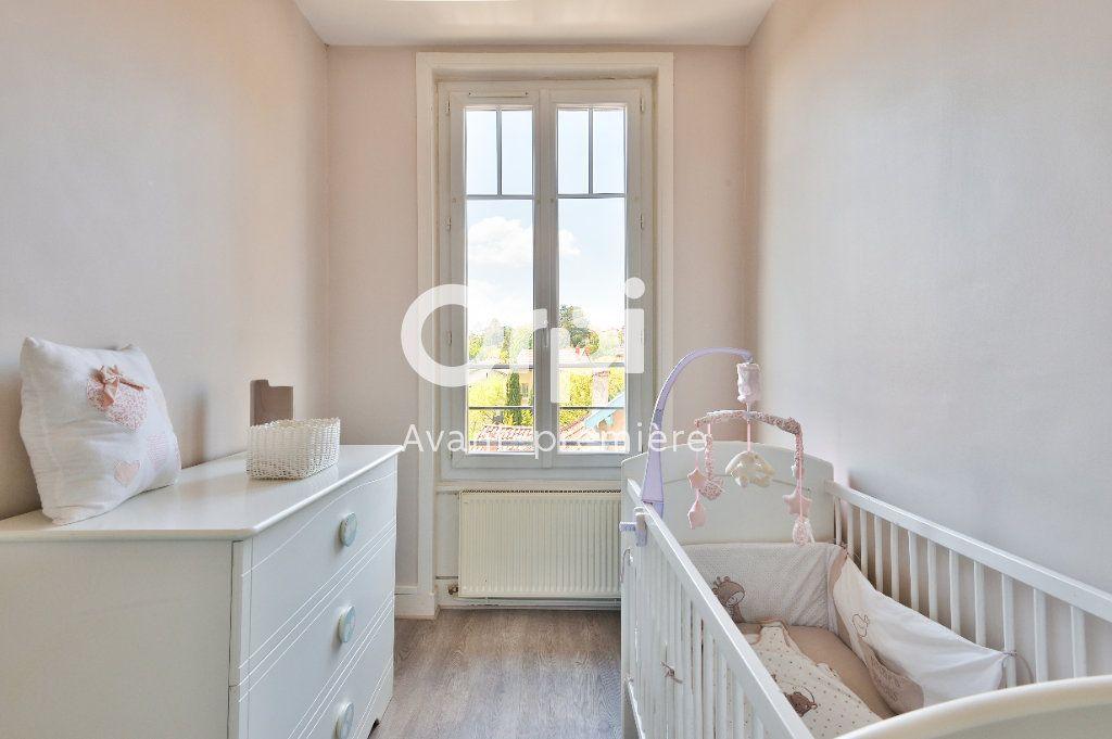 Appartement à vendre 4 80m2 à Rillieux-la-Pape vignette-6