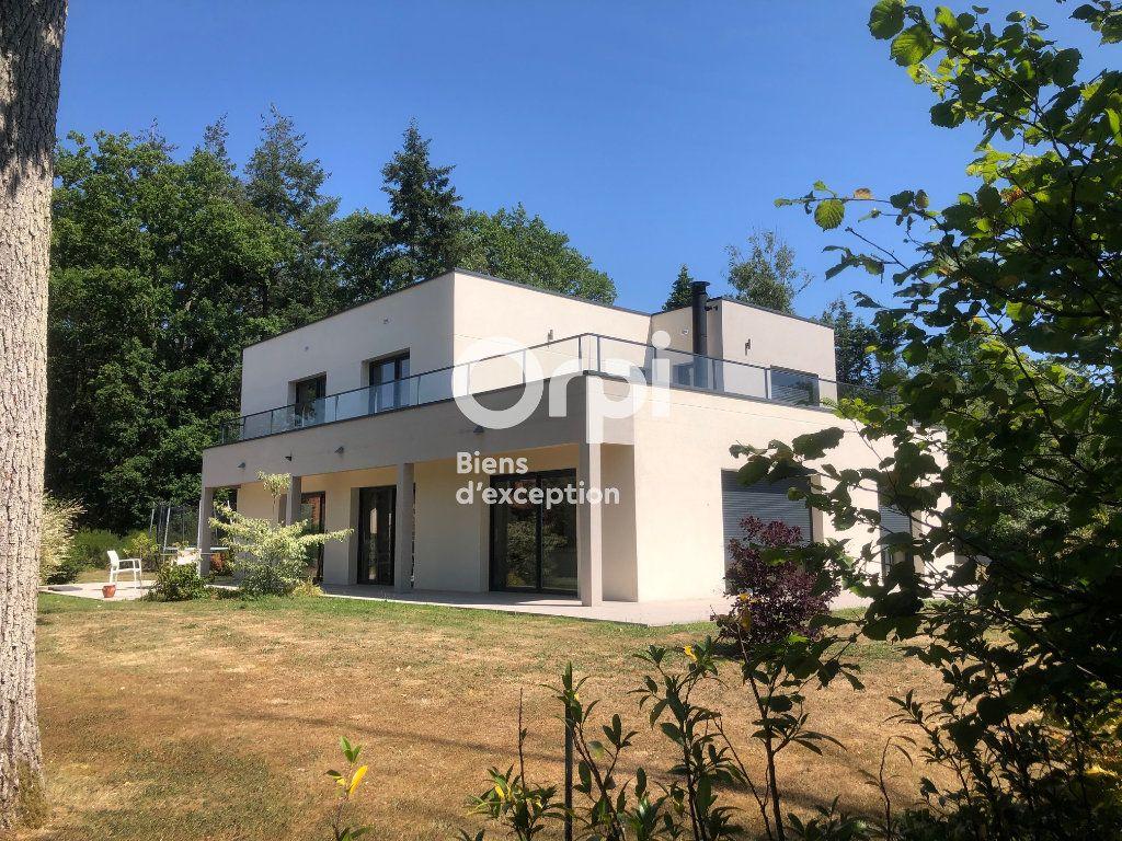 Maison à vendre 8 227.65m2 à Évreux vignette-1