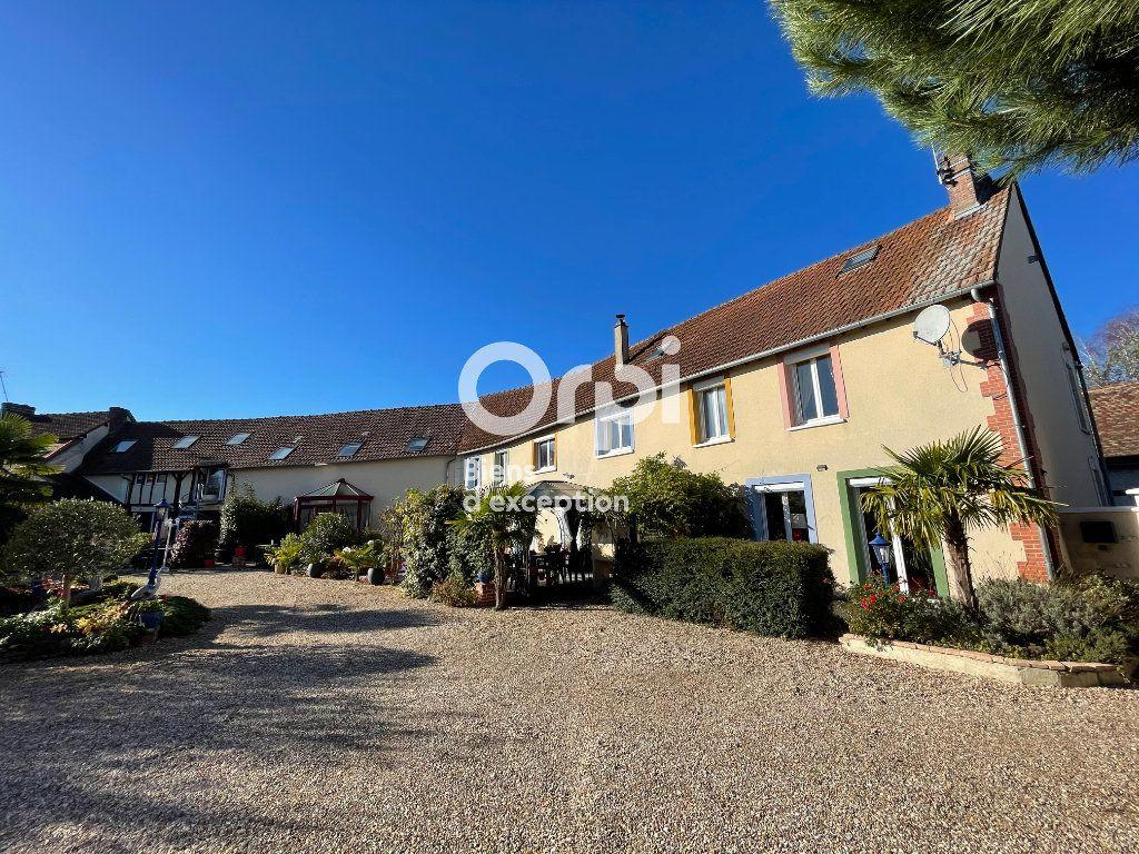 Maison à vendre 23 700m2 à La Couture-Boussey vignette-1