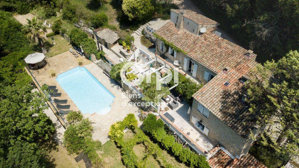 Maison à vendre 5 162m2 à Saint-Paul-en-Forêt vignette-1