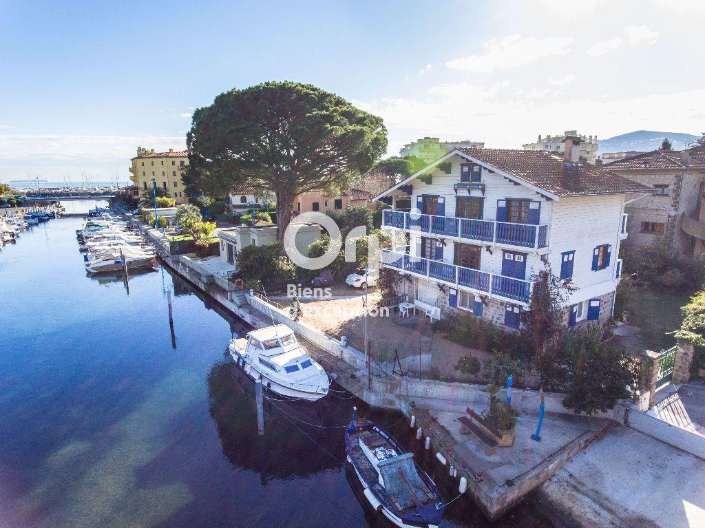 Maison à vendre 11 185m2 à Mandelieu-la-Napoule vignette-2