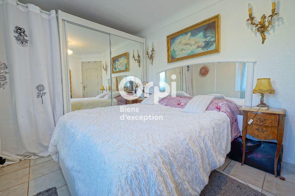 Maison à vendre 11 185m2 à Mandelieu-la-Napoule vignette-10