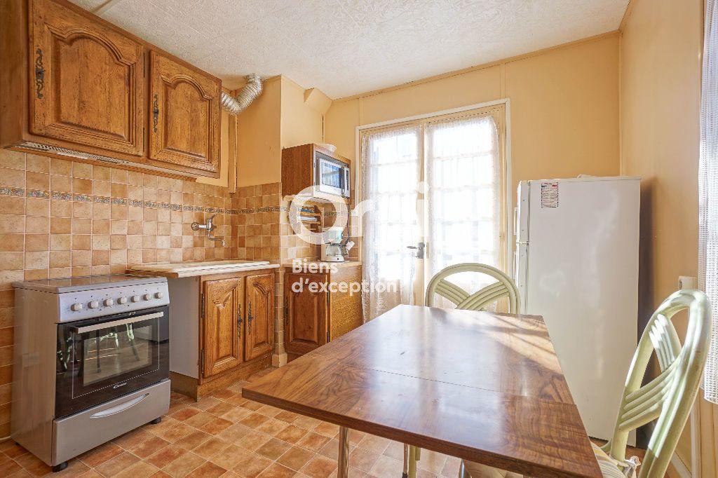 Maison à vendre 11 185m2 à Mandelieu-la-Napoule vignette-13