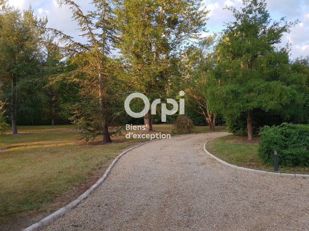 Maison à vendre 10 215m2 à Romorantin-Lanthenay vignette-14