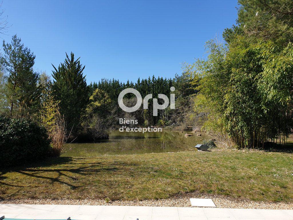 Maison à vendre 10 215m2 à Romorantin-Lanthenay vignette-17