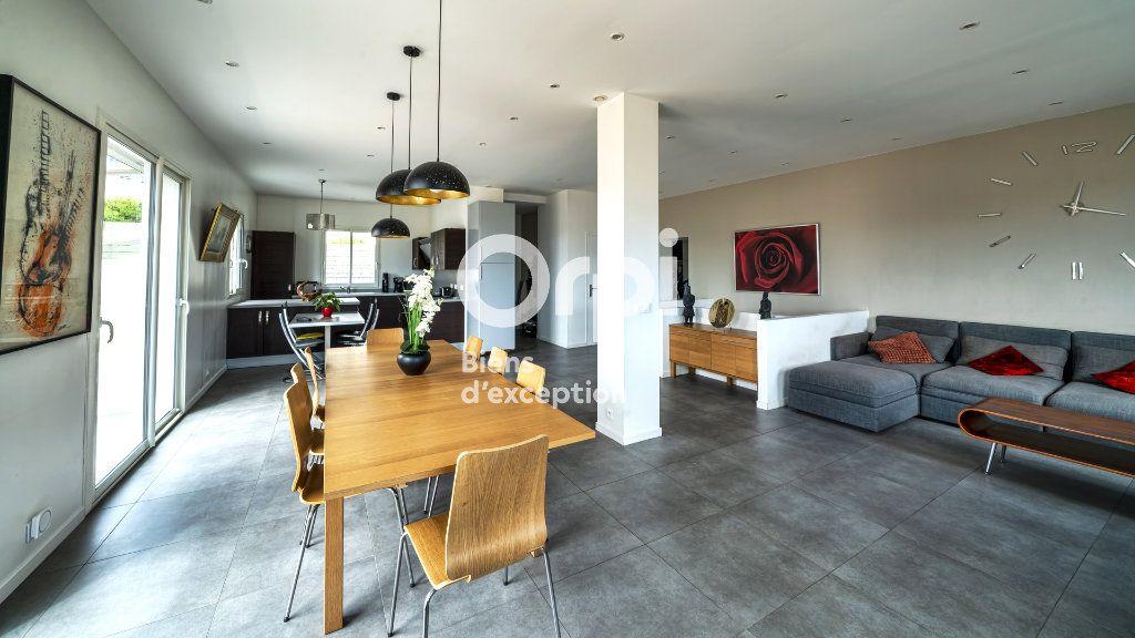 Maison à vendre 6 144m2 à Nice vignette-1