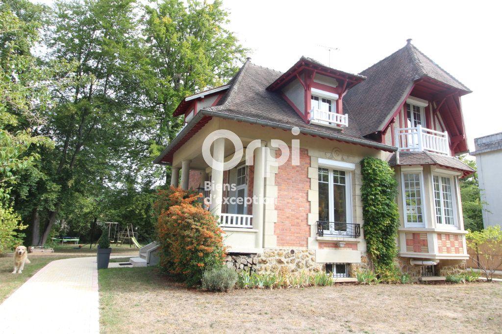 Maison à vendre 6 138m2 à Compiègne vignette-1