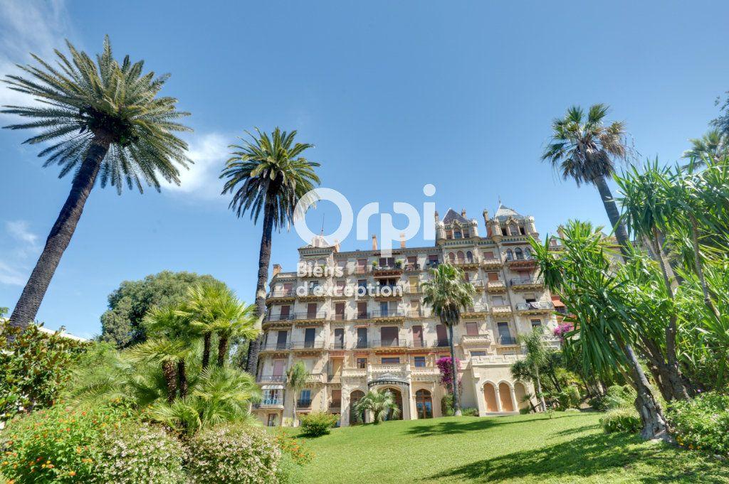 Appartement à vendre 6 217.06m2 à Cannes vignette-4