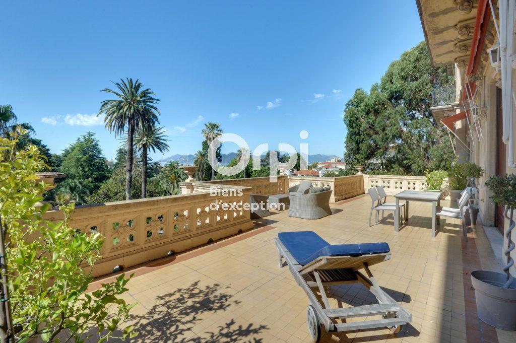 Appartement à vendre 6 217.06m2 à Cannes vignette-5