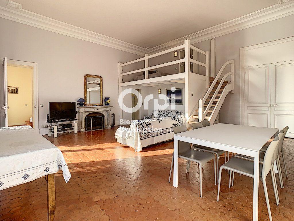 Appartement à vendre 6 217.06m2 à Cannes vignette-8
