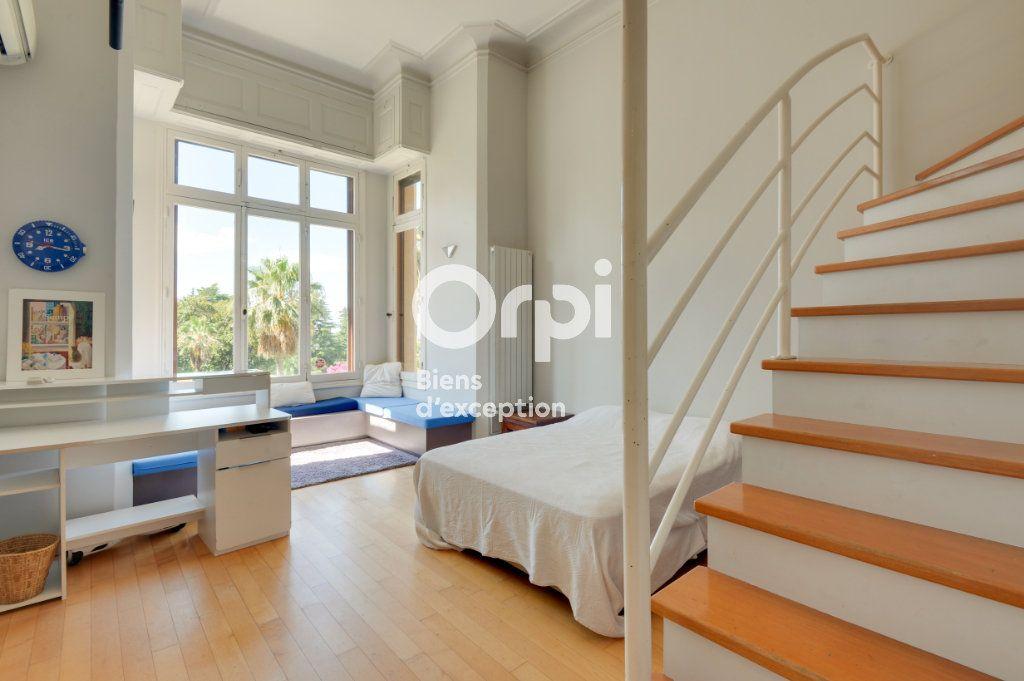 Appartement à vendre 6 217.06m2 à Cannes vignette-9
