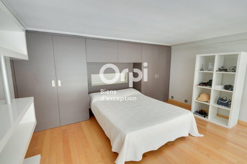 Appartement à vendre 6 217.06m2 à Cannes vignette-11