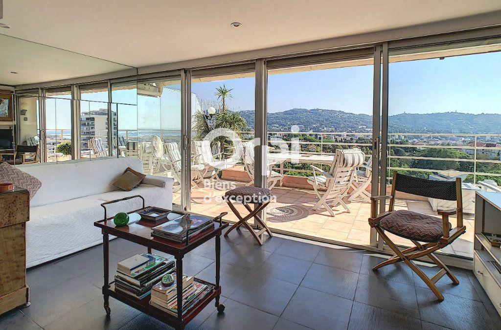 Appartement à vendre 4 114.16m2 à Cannes vignette-2