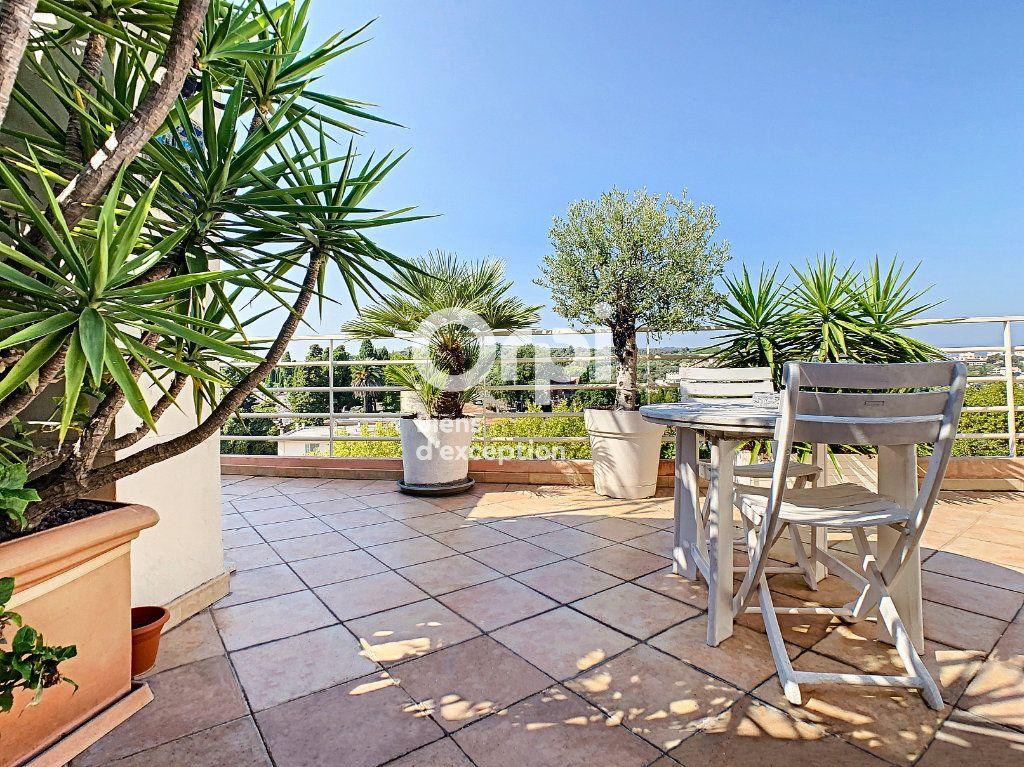 Appartement à vendre 4 114.16m2 à Cannes vignette-5
