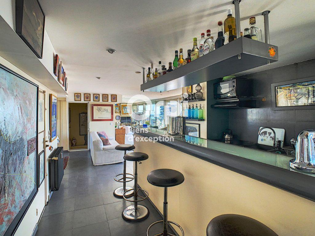 Appartement à vendre 4 114.16m2 à Cannes vignette-7