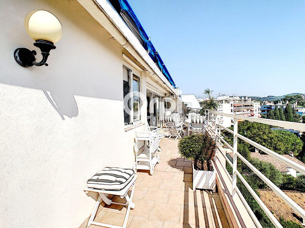 Appartement à vendre 4 114.16m2 à Cannes vignette-12