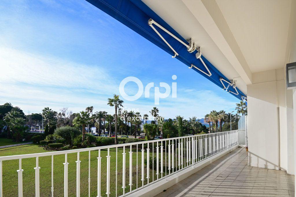 Appartement à vendre 4 107.79m2 à Cannes vignette-1