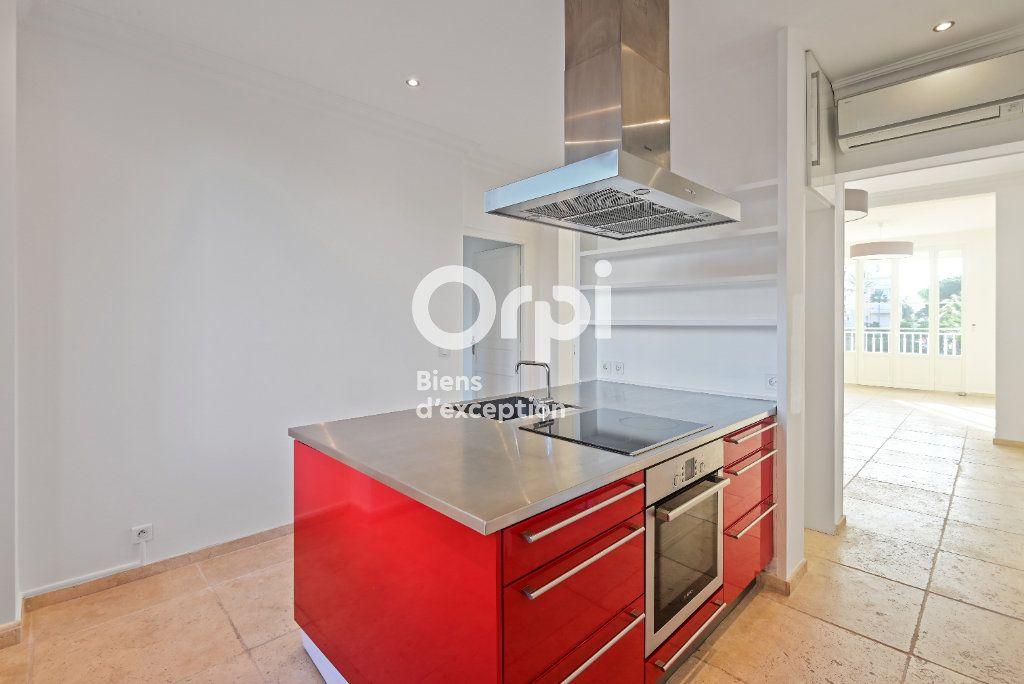 Appartement à vendre 4 107.79m2 à Cannes vignette-7