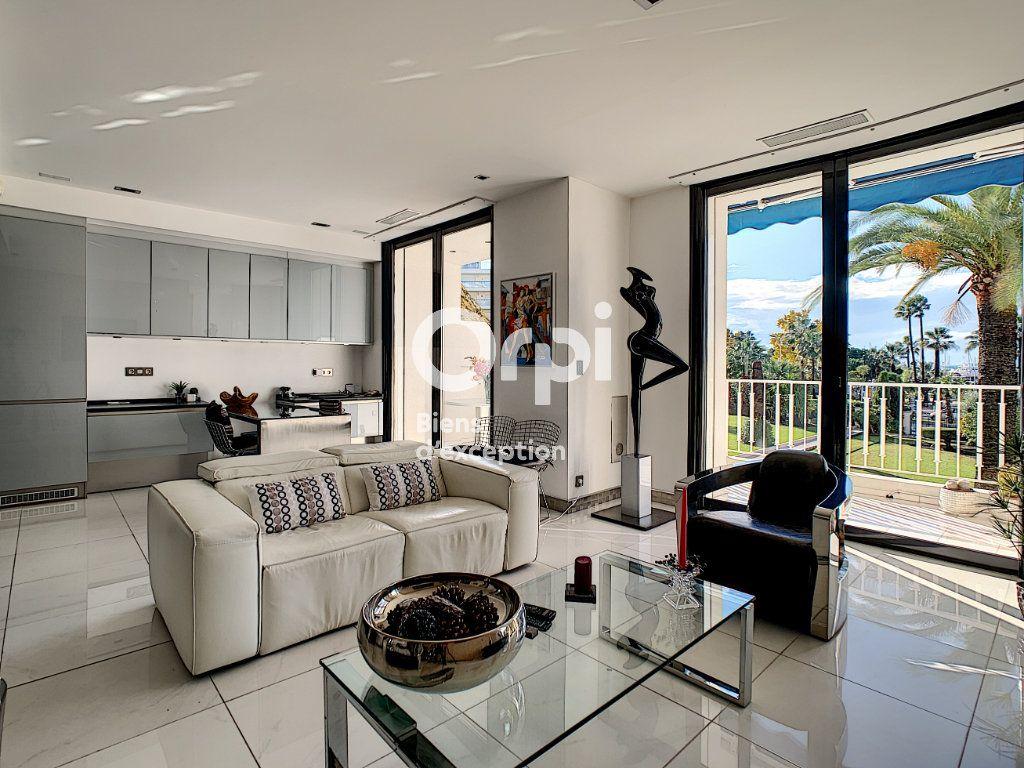 Appartement à vendre 3 79.31m2 à Cannes vignette-1