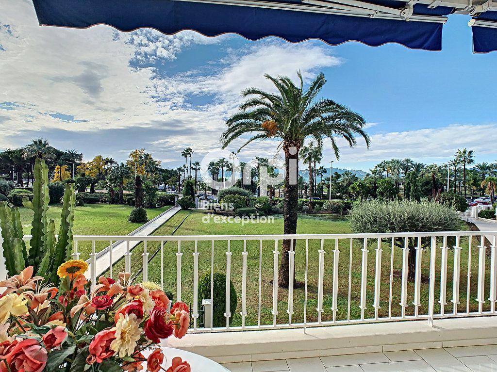 Appartement à vendre 3 79.31m2 à Cannes vignette-2