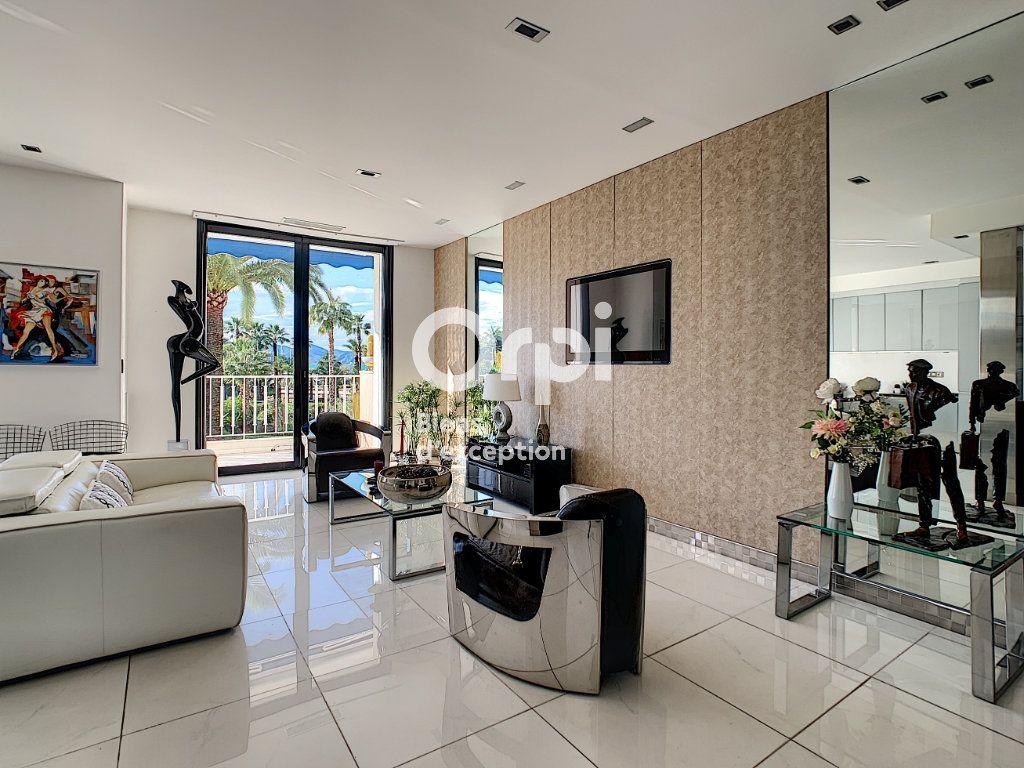 Appartement à vendre 3 79.31m2 à Cannes vignette-7