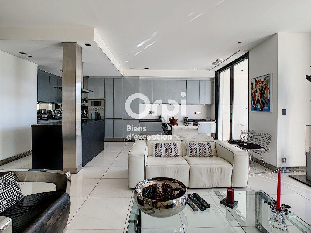 Appartement à vendre 3 79.31m2 à Cannes vignette-8
