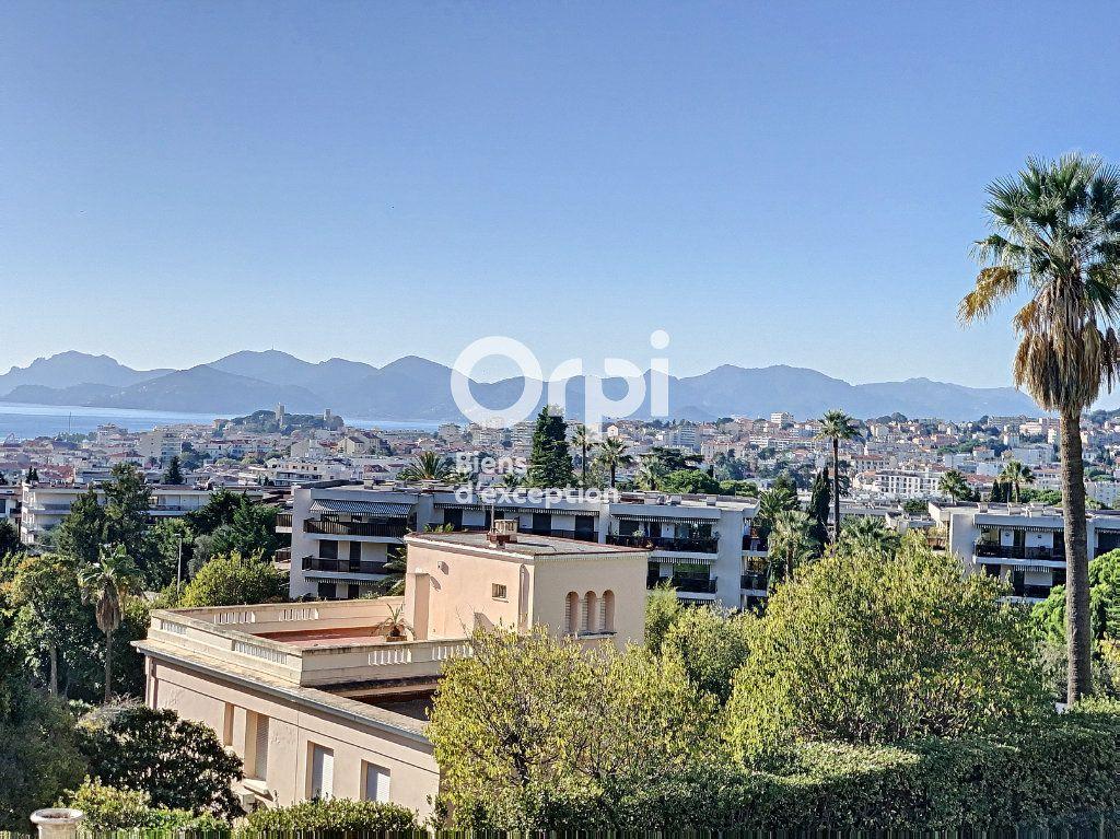 Appartement à vendre 3 107m2 à Cannes vignette-1