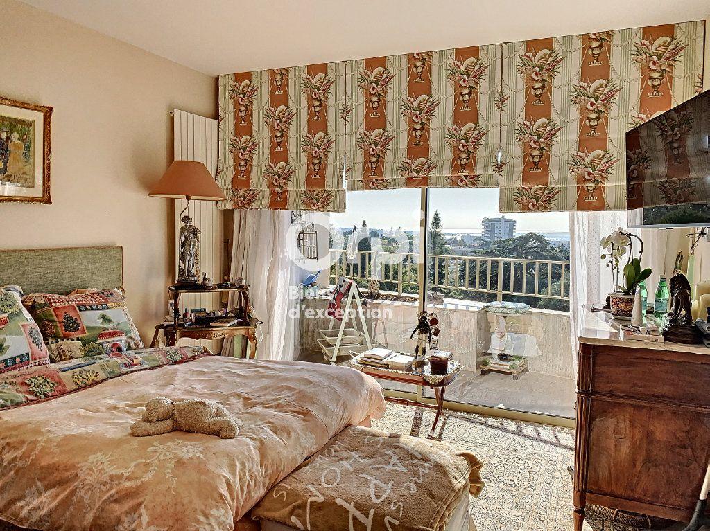 Appartement à vendre 3 107m2 à Cannes vignette-3